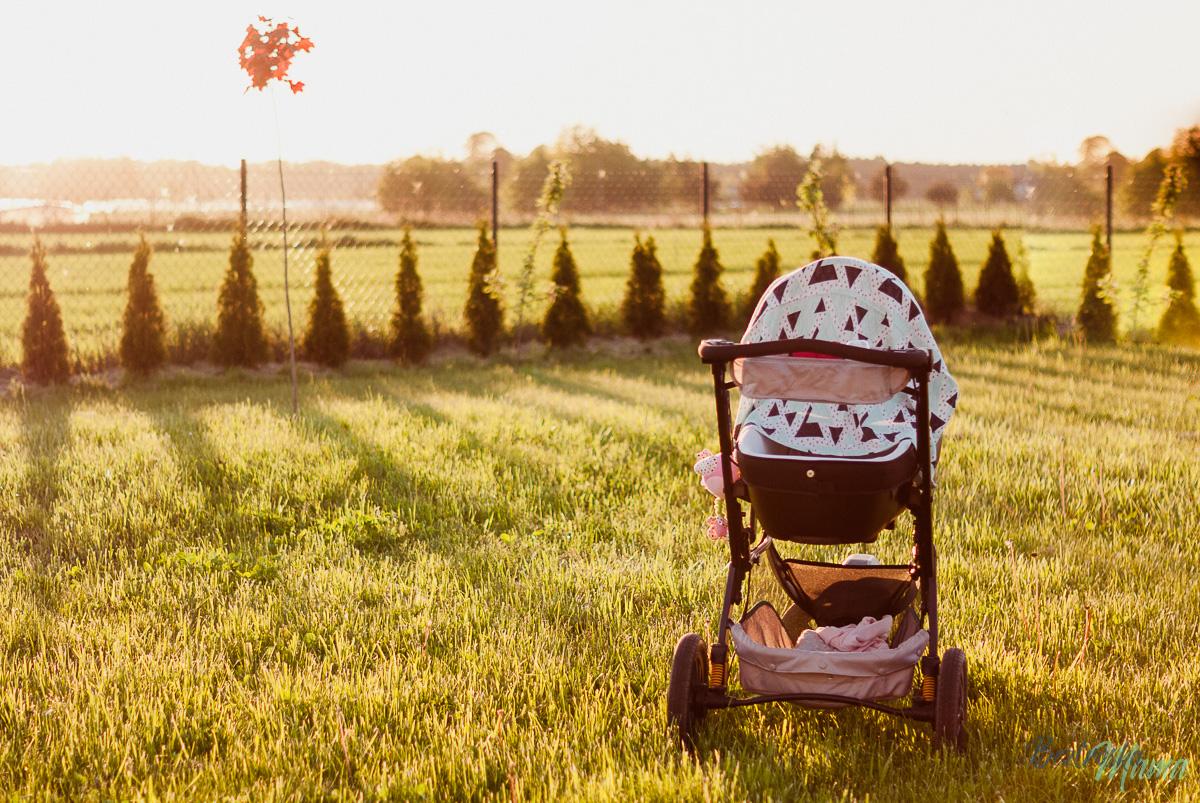 Wózek jak termos – jak nie chronić niemowlaka przed słońcem