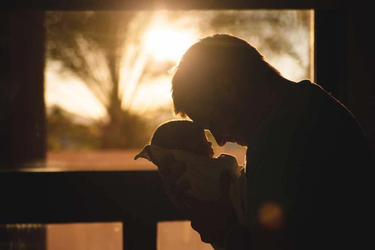 Nie tylko urlop ojcowski, czyli prawa ojca po urodzeniu dziecka