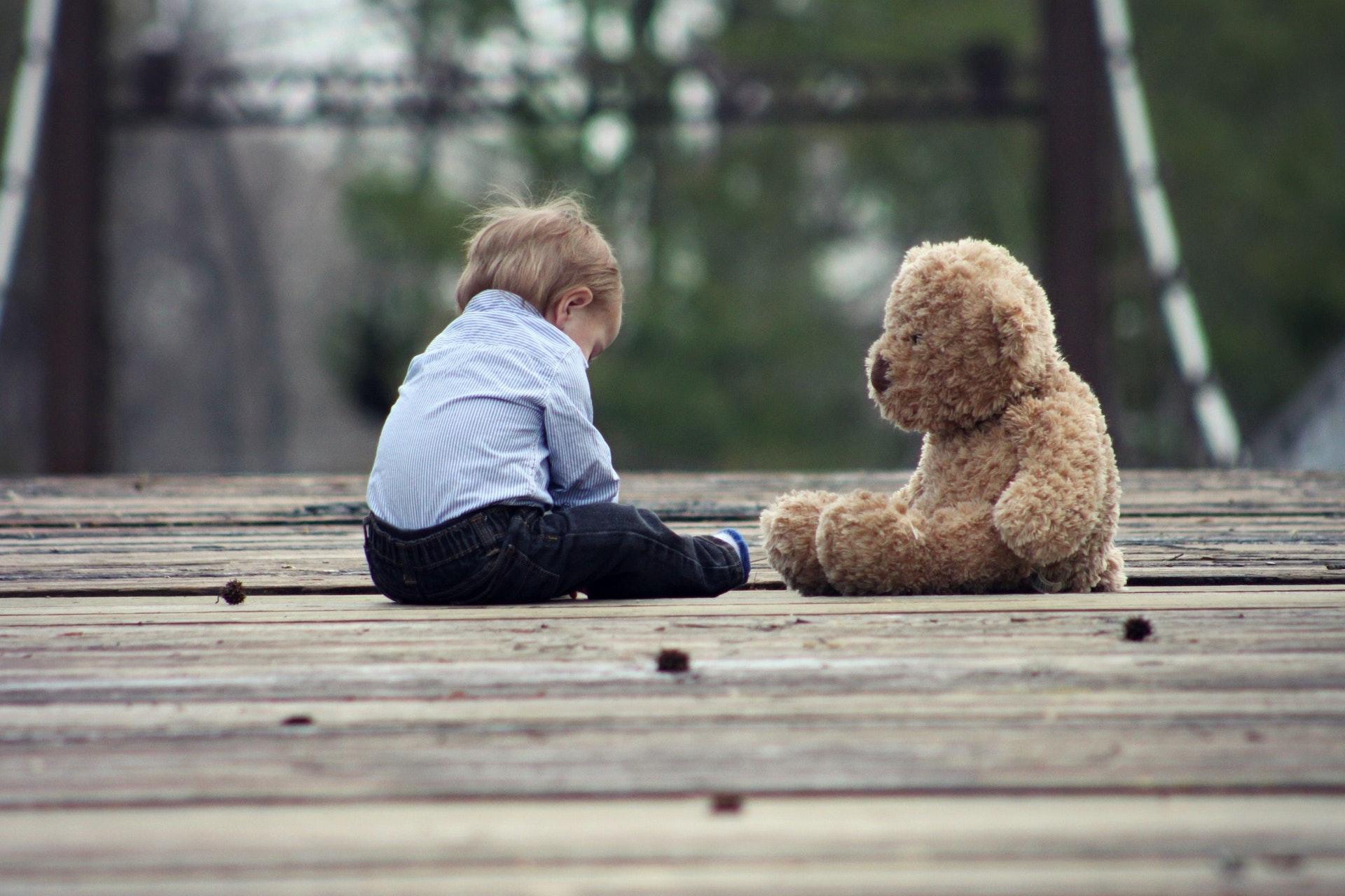 Najczęstsze błędy rodziców, które wpływają na wady postawy u dzieci