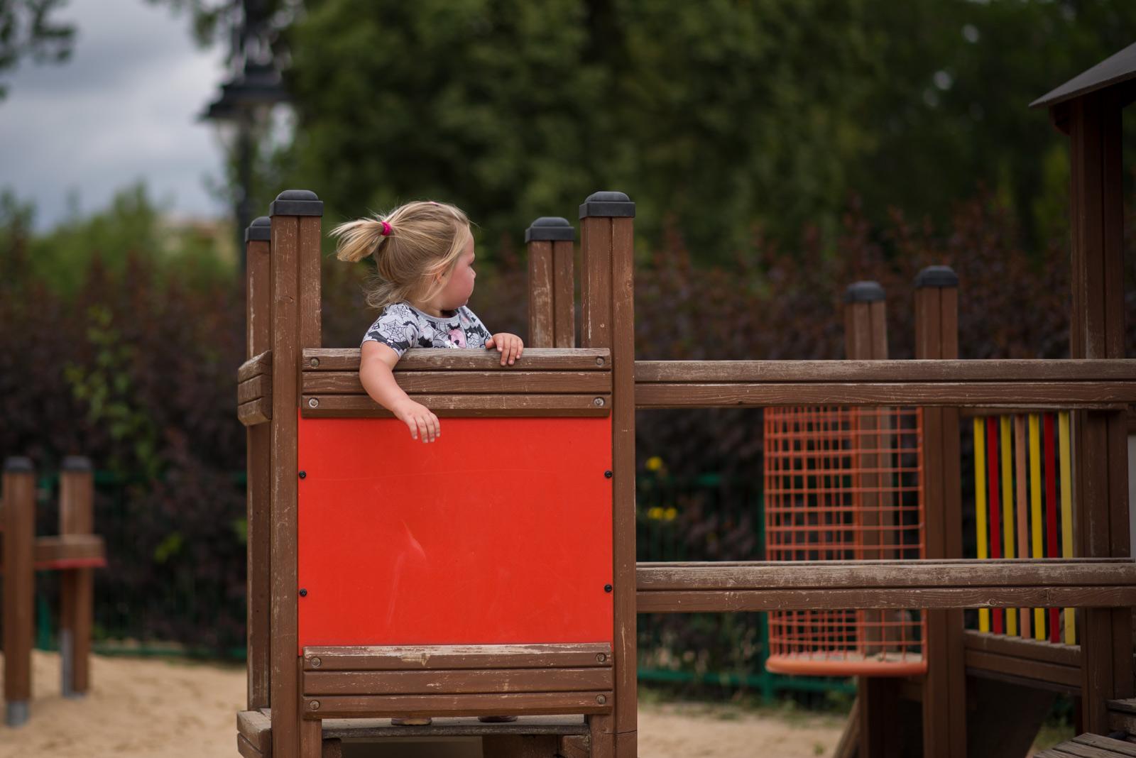 Bądź grzeczna, bo pani Cię zabierze – czyli o tym, co daje straszenie dzieci